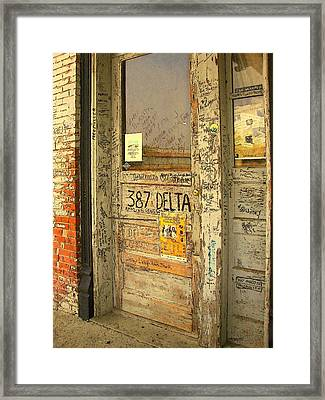 Graffiti Door - Ground Zero Blues Club Ms Delta Framed Print