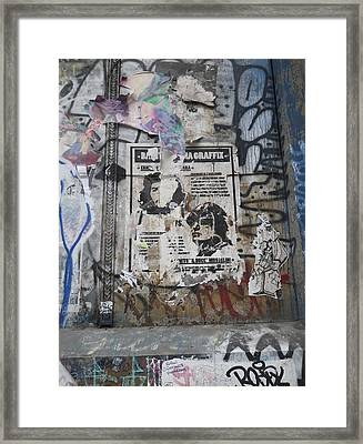 Graffiti In New York City Che Guevara Mussolini  Framed Print