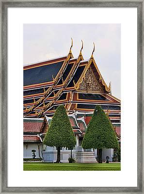 Grand Palace Temple In Bangkok 2 Framed Print by David Smith