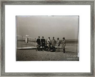 The Wright Brothers Group Portrait In Front Of Glider At Kill Devil Hill Framed Print