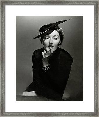Gwili Andre Wearing Rose Descat And Tiffany Framed Print by Edward Steichen