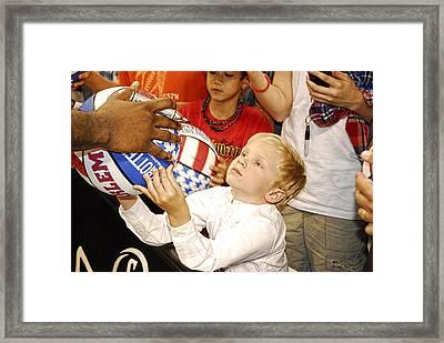 Harlem Globetrotters Star Gazed Fan  Framed Print by Robert Saunders Jr