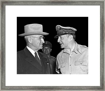 Harry Truman And Macarthur Framed Print by Underwood Archives