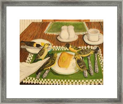 Hate To Eat Alone Framed Print by Larry Lamb