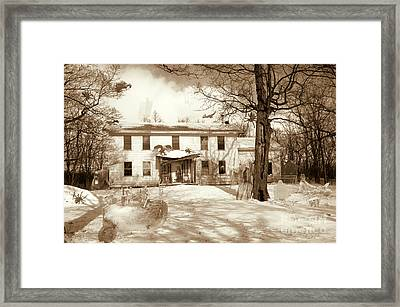 Haunted House - Find The Eerie Ghosts Skeletons Spiders  Framed Print