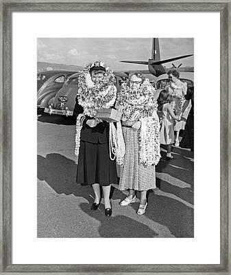 Hawaiian Tourists With Leis Framed Print