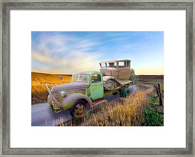 He Ain't Heavy Framed Print by Ric Darrell