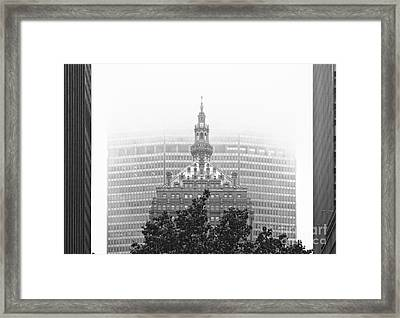Helmsley Building And Metlife Building In Fog Framed Print by Nishanth Gopinathan