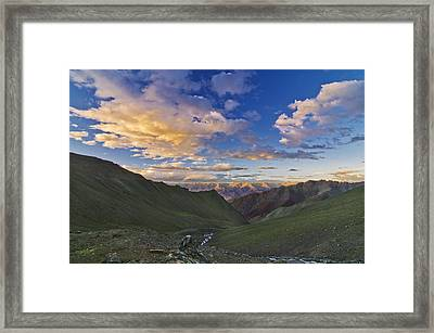 Hemis Sunset Framed Print by Aaron Bedell