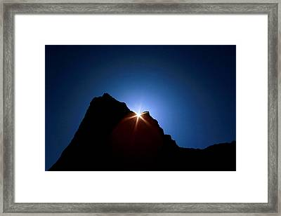 Here Comes The Sun Framed Print by Steven Reed