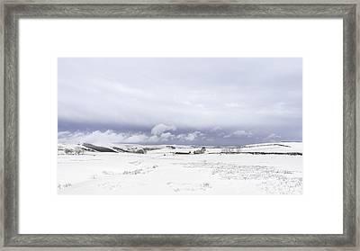 High Peak Derbyshire Framed Print by Ollie Taylor