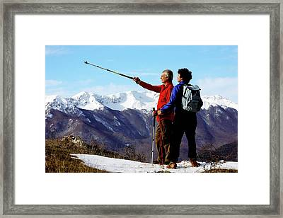 Hikers Framed Print by Mauro Fermariello/science Photo Library