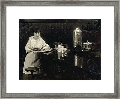 Hine Waitress, 1917 Framed Print