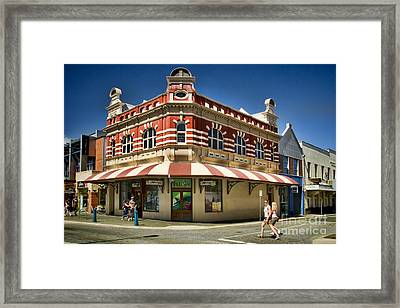 Historic P And O Building In Freemantle Framed Print by David Smith
