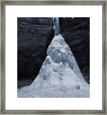 Hocking Hills State Park In Winter Framed Print by Dan Sproul