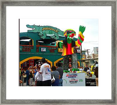 Hola Amigos Framed Print by Dick Botkin