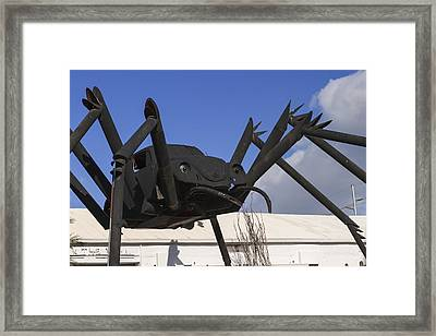 Hole In The Wall Vw Bug Framed Print by Scott Campbell