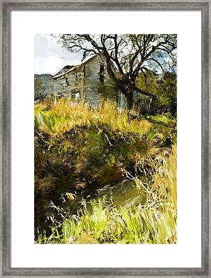 Home Of Yesteryear Framed Print by Dale Stillman