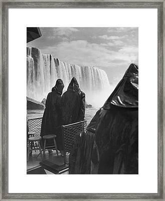Honeymooners At Niagara Falls Framed Print by Underwood Archives
