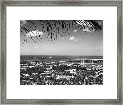 Honolulu From The Punch Bowl Framed Print by Underwood Archives