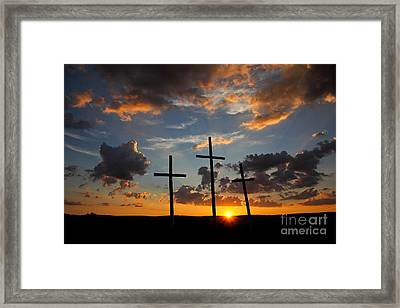 Horizon Of Hope Framed Print by Everett Houser
