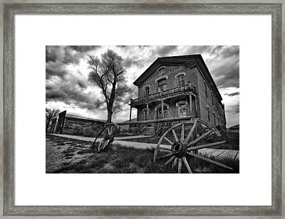 Hotel Meade - Black And White Framed Print