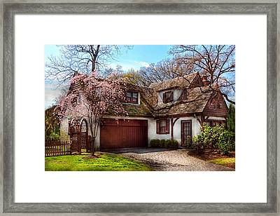 House - Westfield Nj - Who Doesn't Love Spring  Framed Print by Mike Savad