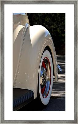 Framed Print featuring the photograph Hr-40 by Dean Ferreira