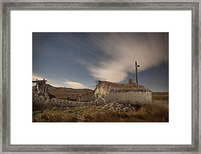 Hutmacher Farm 01 Framed Print by Tom Phelan