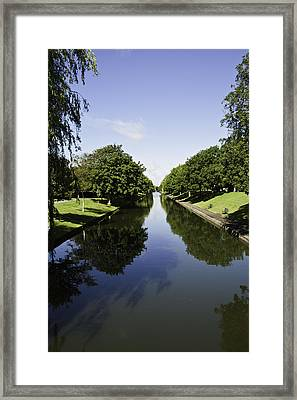Hythe Military Canal Framed Print by Lesley Rigg
