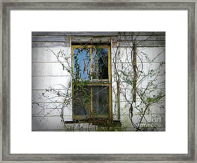 I Hear Ghosts Framed Print by Lorraine Heath