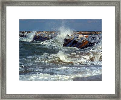 Icy Temperatures In Northeast Framed Print by Dianne Cowen