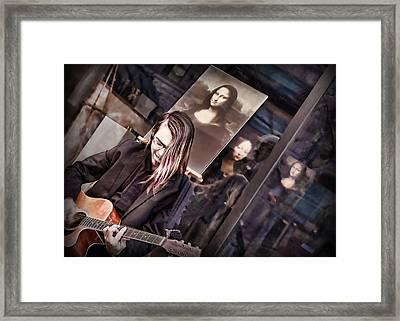 Il Chitarrista E La Gioconda Framed Print by Nikolyn McDonald