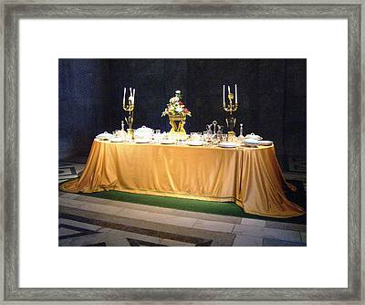 Framed Print featuring the photograph Imperial Lunch  by Giuseppe Epifani