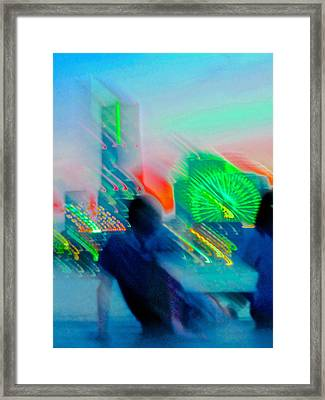 Framed Print featuring the photograph In Love With Love - 7 by Larry Knipfing