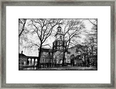 Independence Hall In Black And White Framed Print by Bill Cannon