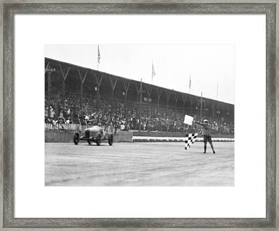Indy 500 Victory Framed Print by Underwood Archives
