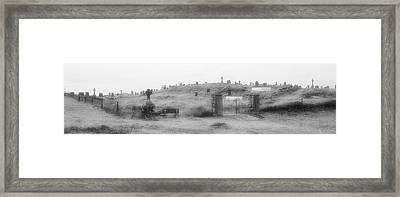 Inis Oirr Cemetery Framed Print