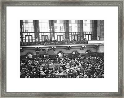 Interior Of Ny Stock Exchange Framed Print by Underwood Archives
