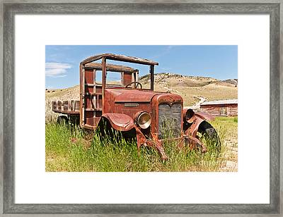 International Truck Framed Print by Sue Smith