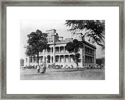 Iolani Palace, Honolulu, Hawaii Framed Print by Everett