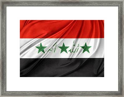 Iraq Flag Framed Print by Les Cunliffe