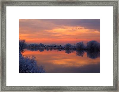 Framed Print featuring the photograph Iridescent Sunset by Lynn Hopwood