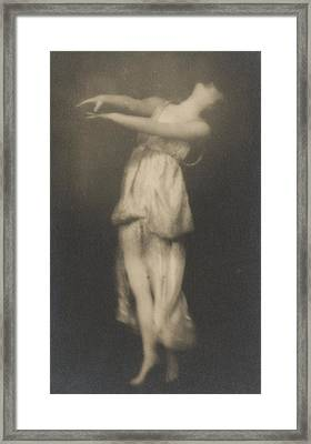 Isadora Duncan   Dancer Framed Print by Arnold Genthe