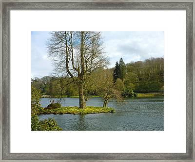 Islet Framed Print by Rob Sherwood