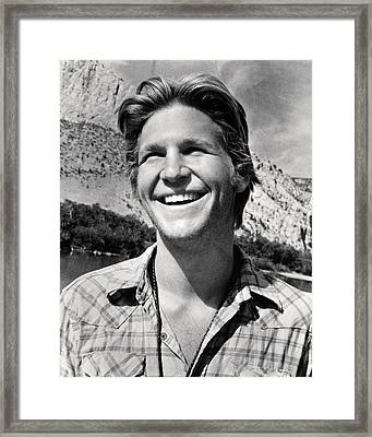 Jeff Bridges In Thunderbolt And Lightfoot  Framed Print by Silver Screen