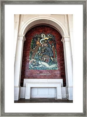 Jesus Cai Pela Terceira Vez Framed Print by John Rizzuto
