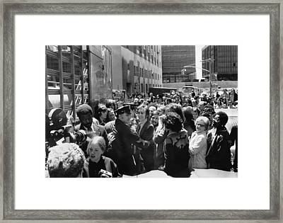 John Lennon And Yoko Ono Framed Print by Underwood Archives