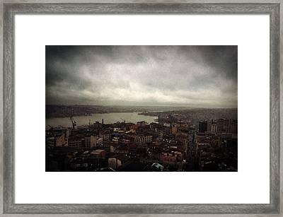 jour de pluie a Istanbul III Framed Print