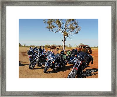 Journey To The Outback Framed Print by Linda Lees